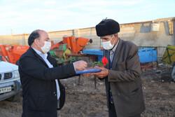 ۴۲ حکم بازنشستگی بیمه روستایی در اردبیل اعطا شد