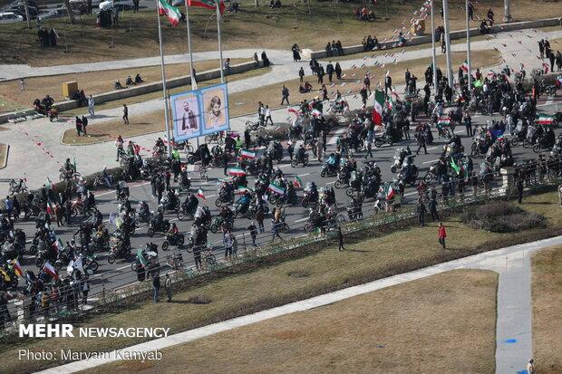 جشن خیابانی چهل و دومین سالگرد پیروزی انقلاب اسلامی در میدان آزادی