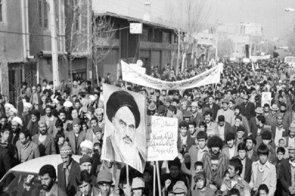 ۲۲ بهمن یادآور راهپیمایی عظیم مردم قهرمانشهر در سال ۵۷