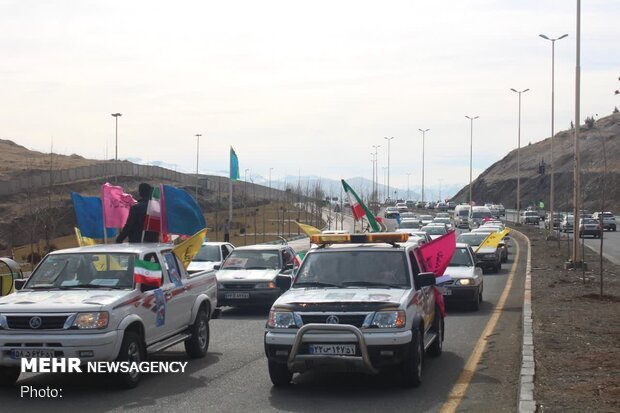 رژه موتوری و خودرویی مردم سنندج در گرامیداشت 22 بهمن