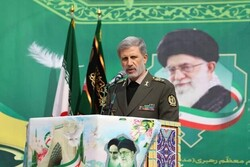 Iran to respond to enemy's threats strongly: Defense min.