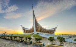 مسجدی با معماری مدرن که در سوماترای اندونزی واقع شده است