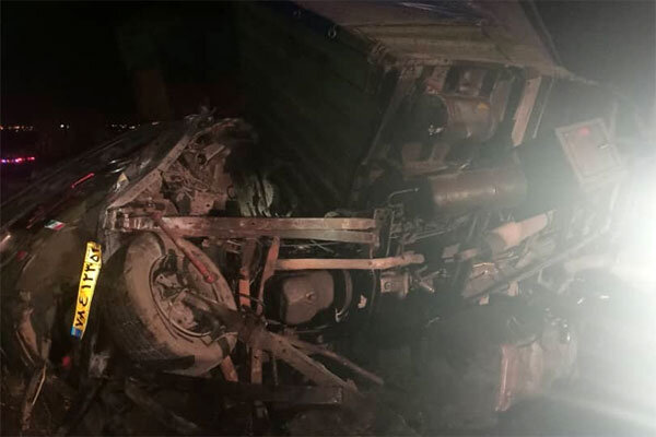 تصادف تریلی با ۳خودرو دیگر در «فشافویه»/یک کشته و ۵ مصدوم