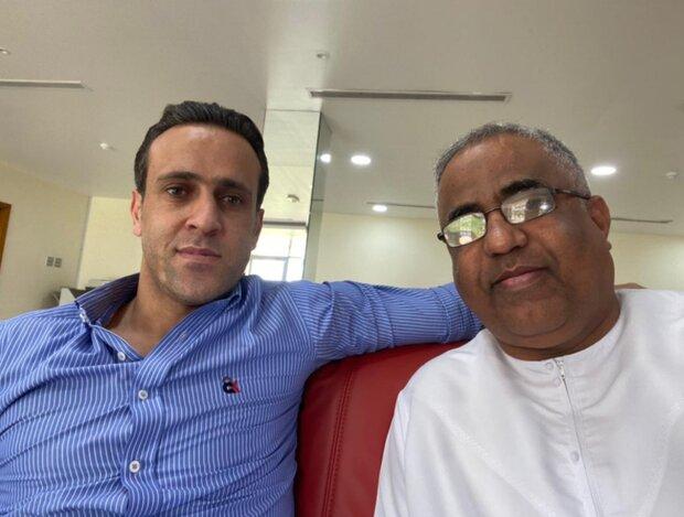 تصاویری از حضور علی کریمی در باشگاه الاهلی امارات