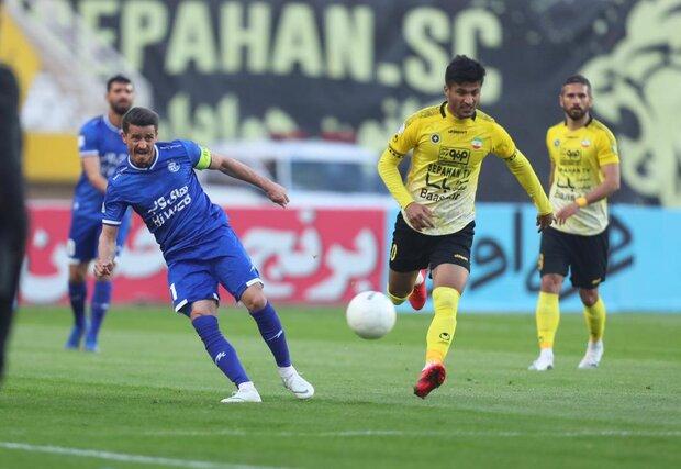 """نادي """"سباهان"""" يسحق """"استقلال"""" متصدر الدوري الممتاز الإيراني بثنائية نظيفة"""