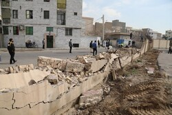 دیوار مانع اتصال خیابان شهامت و بوستان ولایت فرو ریخت