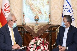 Iran, Cuba stress expansion of bilateral ties