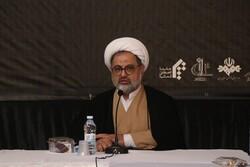 هویت ایران و آذربایجان قائم به علما و شهدا است