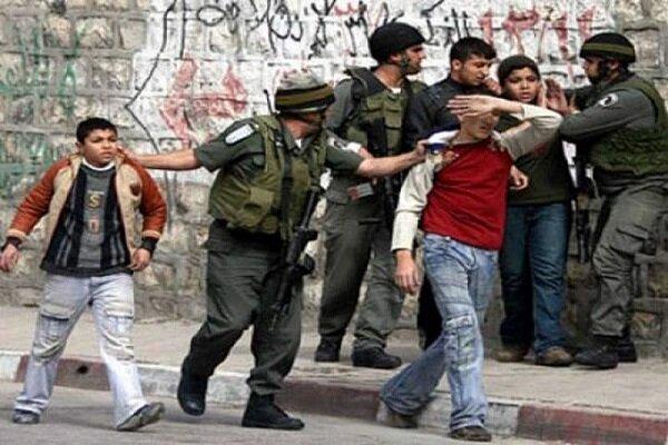 قوات الاحتلال تقمع الفلسطينيين في عين الساكوت