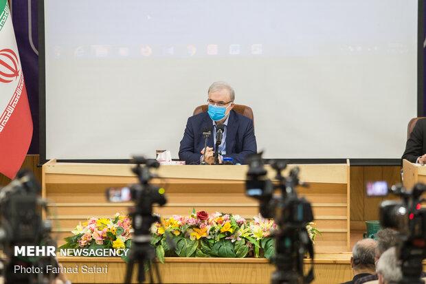 وزير الصحة: إيران ستكون أحد أكبر مصنعي اللقاحات المضادة لكورونا في العالم