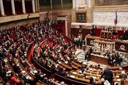 فرانس میں مسلمانوں کے خلاف سخت پابندیوں کا قانون منظور