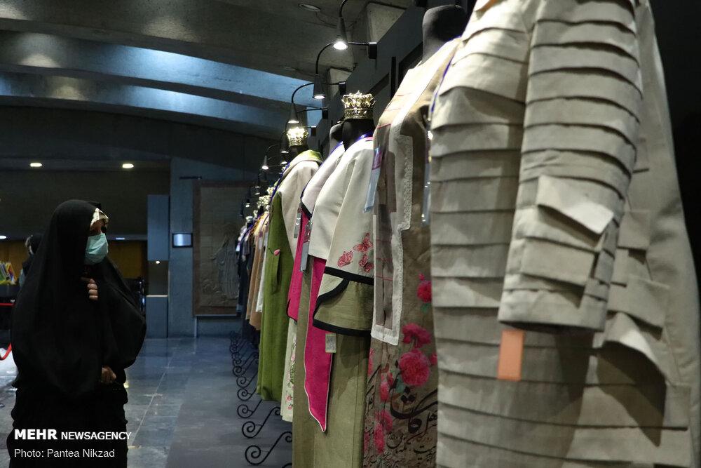برپایی نمایشگاه «حریم ریحانه» به مناسبت هفته عفاف وحجاب در فریدن