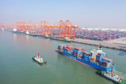 ۸۵ درصد از واردات کشور مواد اولیه است/ کاهش ۱۹ درصدی صادرات