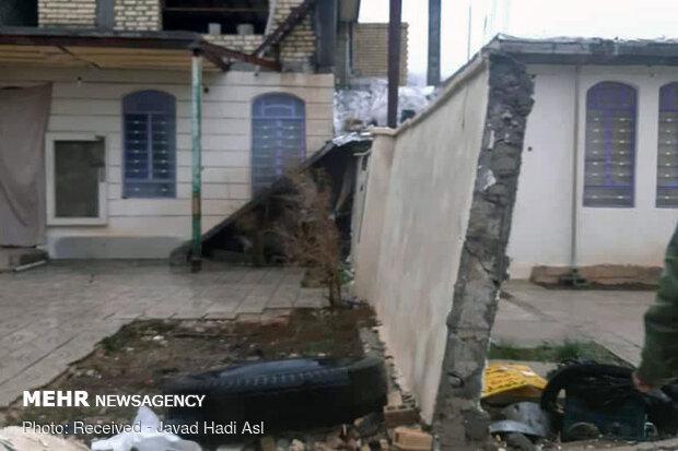 بارش برف در مناطق زلزله زده/ ۶۳ نفر مصدوم شدند