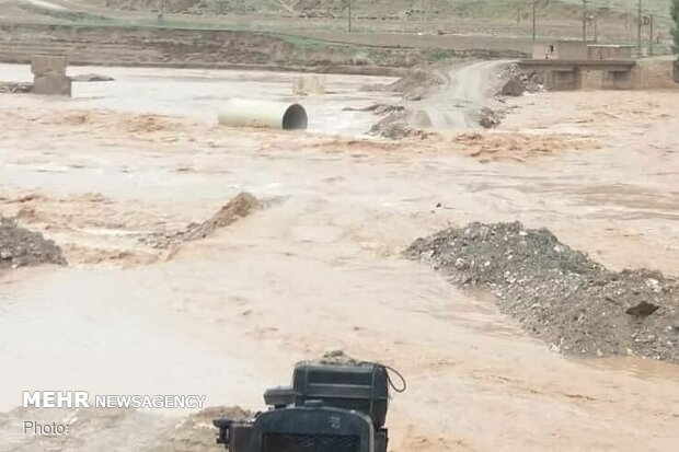 خسارت سیل و بارندگی در استان۱۰۰۰میلیارد تومان است