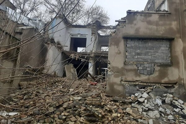 نجات ۴ نفر از زیر آوار ساختمانی در پاکدشت/ عملیات نجات ادامه دارد