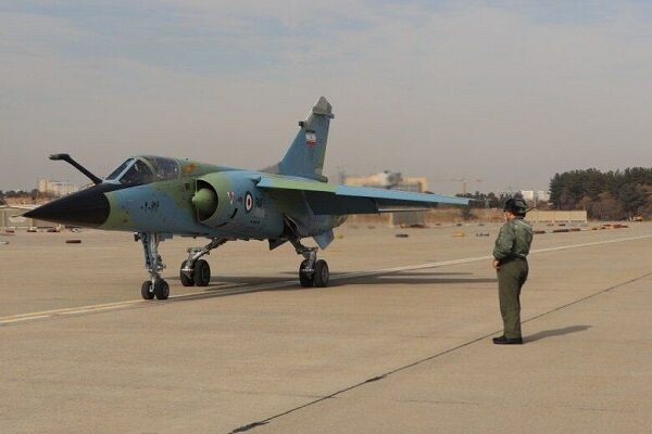 Iranian army experts overhaul Mirage military aircraft