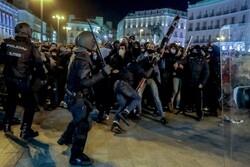 درگیری پلیس اسپانیا با معترضان/۸۰ تن بازداشت و ۱۰۰ تن زخمی شدند