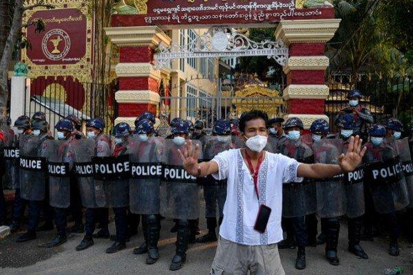 فراخوان معترضان در میانمار به اعتصاب عمومی علیه کودتا