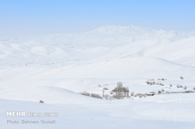 Heavy snow blankets Sarband's nature