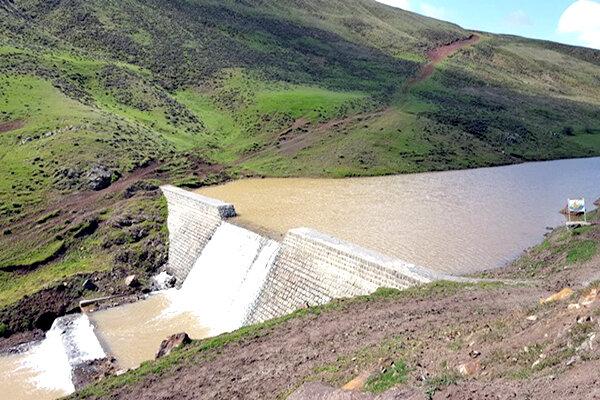 ذخیرهسازی ۳۷۹ میلیون متر مکعب آب با اجرای طرحهای آبخیزداری