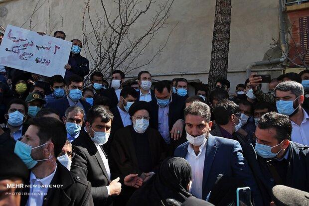 حضور رئیس قوه قضاییه در میان زلزله زدگان شهر سی سخت