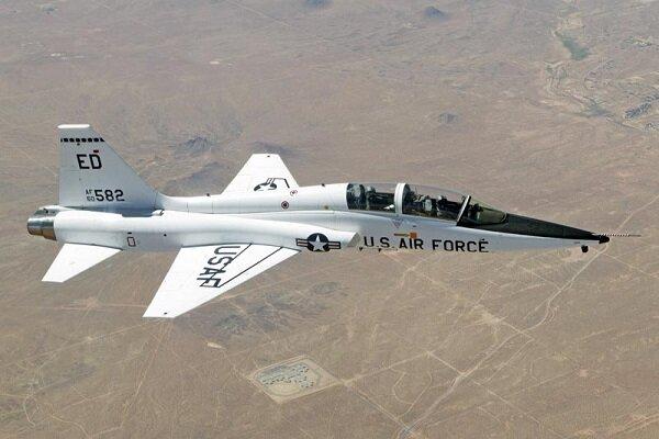 هواپیمای نظامی آمریکا سقوط کرد/ هر ۲ خلبان کشته شدند