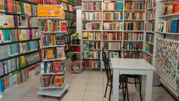 نبود کتابفروشی در دهاقان/غم نان جای امور فرهنگی را گرفته است