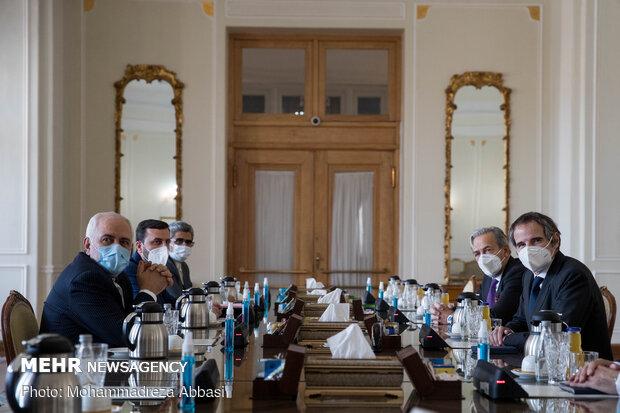 دیدار رافائل گروسی، مدیرکل آژانس بین المللی انرژی اتمی با وزیر امور خارجه ایران
