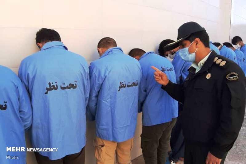 ۱۲ سارق و اراذل و اوباش در دزفول شناسایی و دستگیر شدند