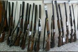 کشف ۴۲ قبضه اسلحه قاچاق در اهواز / یک قاچاقچی دستگیر شد