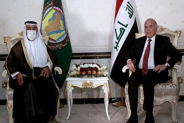 وزير خارجية العراق يصل للسعودية بناء على دعوة نظيره السعودي