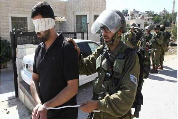 Israeli forces detain a number of Palestinians in West Bank
