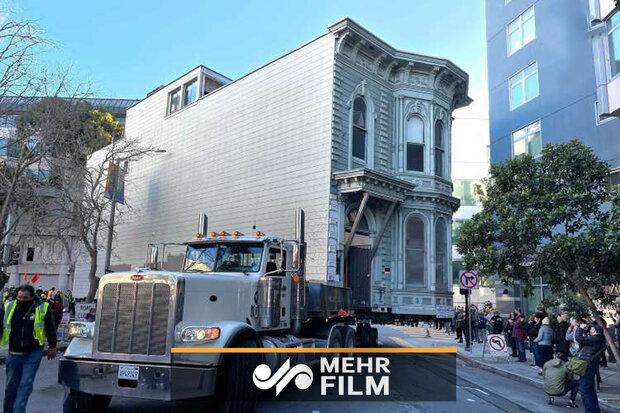 جابجایی خانه ۱۳۹ ساله دو طبقه در سانفرانسیسکو