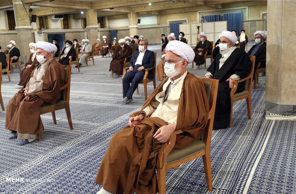 قائد الثورة يلتقى بأعضاء مجلس الخبراء