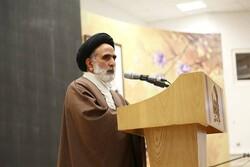 نقش مهم بانوان طلبه در تربیت نسل آینده و تمدن نوین اسلامی