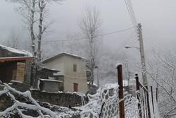 بارش برف در منطقه اشکورات به ۱۰ سانتیمتر رسید