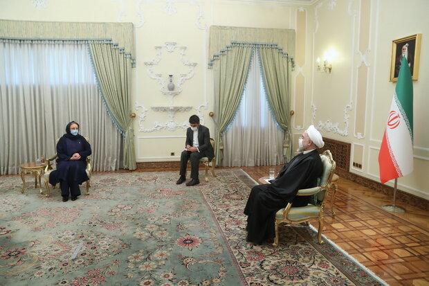 Rouhani receives new ambassadors' credentials (+Details)