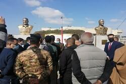 نصب بنای یادبود شهیدان سلیمانی و المهندس در دانشگاه بصره