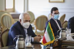 ظريف يجري محادثة هاتفية مع بوريل حول الاتفاق النووي وأفغانستان