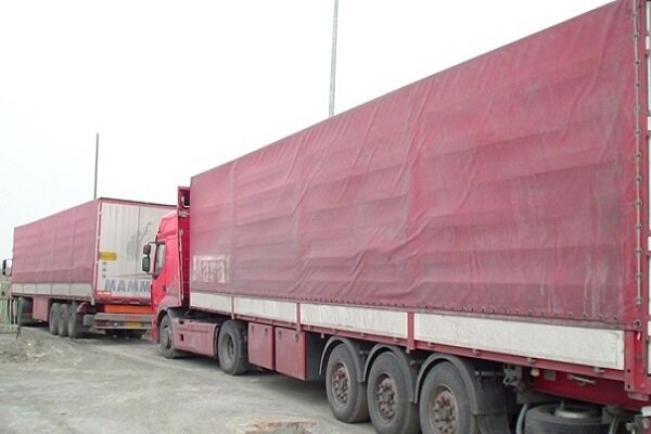 توقیف ۲ دستگاه کامیون حامل لوازم خانگی قاچاق در کوهدشت