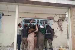 روستائیان سیسخت چشم به راه کمکهای مردمی/طلاب و روحانیون جهادگر مشغول خدمت رسانی هستند