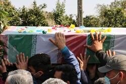 پیکر شهید مدافع حرم پس از ۷ سال در پاکدشت تشییع شد