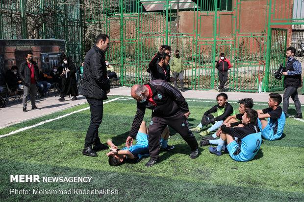 آیین اختتامیه دومین لیگ فوتبال پسران آینده ساز و اولین لیگ داژبال دختران تلاشگر ویژه کودکان کار شهر تهران