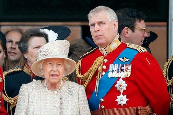 عدم حضور فرزند ملکه انگلیس در مراسم رسمی به دلیل رسوایی اخلاقی
