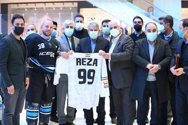 3706254 - بازدید رئیس کمیته ملی المپیک از اردوی تیم ملی هاکی روی یخ