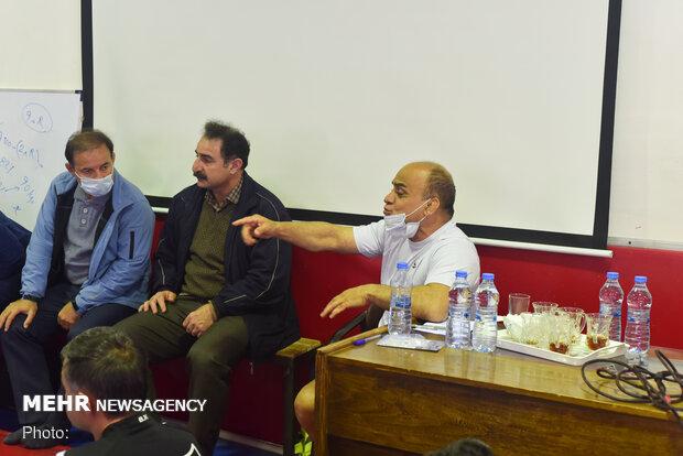برگزاری دوره بازآموزی مربیان کشتی در کردستان