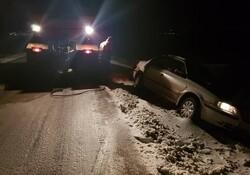 گرفتاری خودروها در محورهای برفی اهر