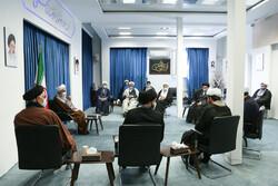 زمینه حضور و فعالیت طلبههای جوان در مساجد را ایجاد کنیم