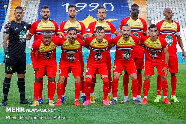 دیدار تیمهای فوتبال فولاد و گل گهر لغو شد